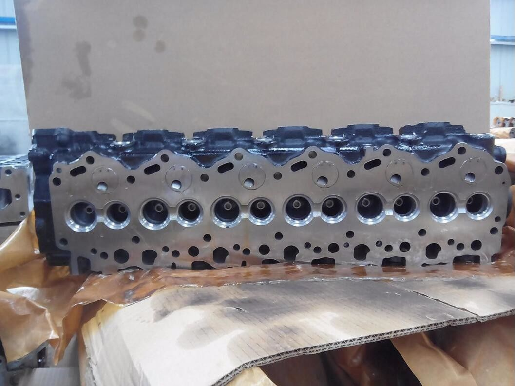 Professional Cast Iron Toyota 1hz Engine Cylinder Head 11101 17013 11101 17012